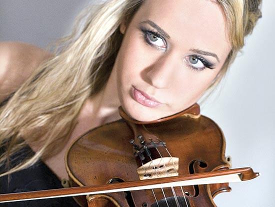 אנה טיפו , כינור / צלם: יחצ